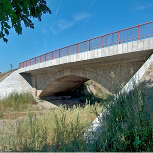 most-preko-Popinske-reke-na-putnom-pravcu-M-5